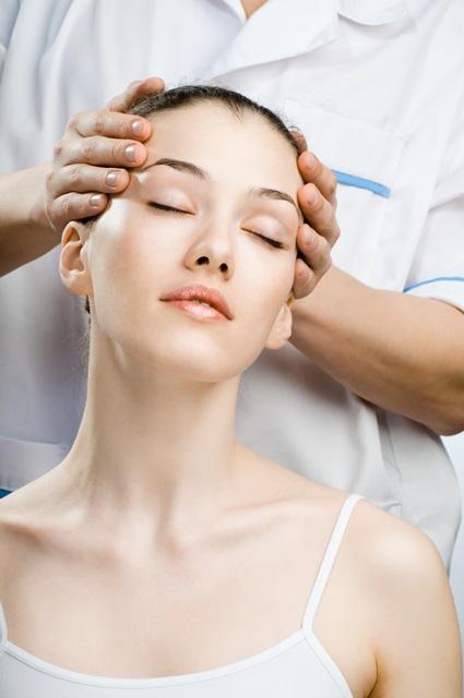 protistresová masáž hlavy