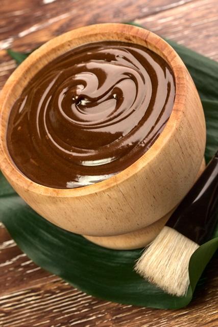 čokoládová masáž zadne časti tela z pravej čokolády